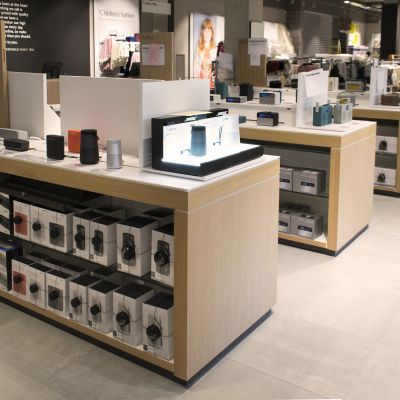 retail display for electronics manufactured by Aspen Concepts