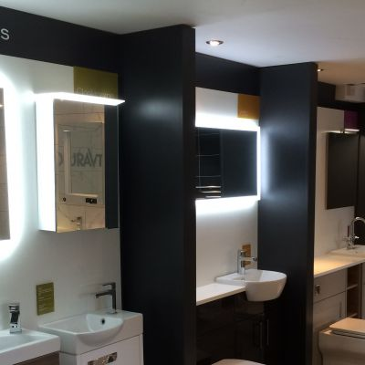 3 bays of bathroom display manufactured by Aspen Concepts