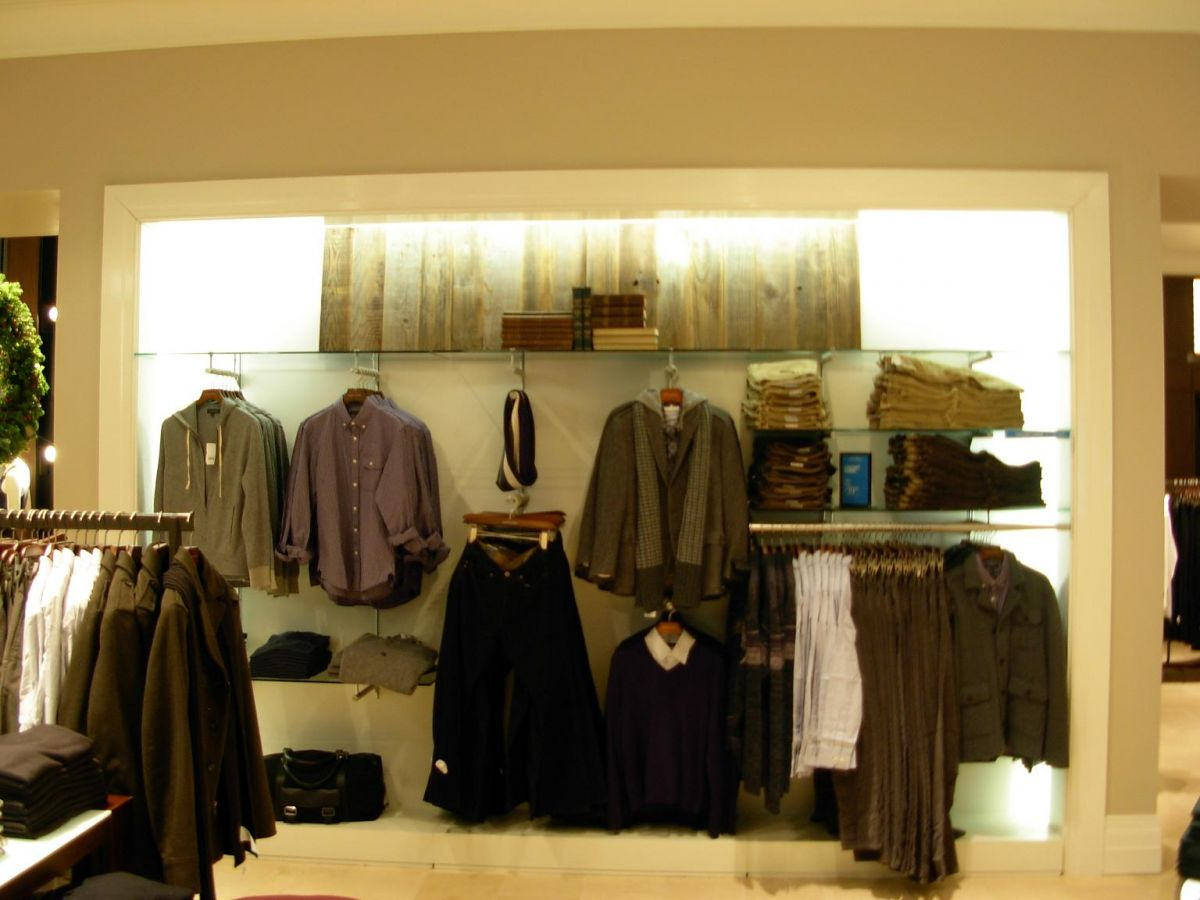 clothing display for Banana Republic Covent Garden made and installed by Aspen Concepts